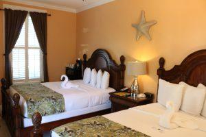 Beds of the Hibiscus Double Queen Room